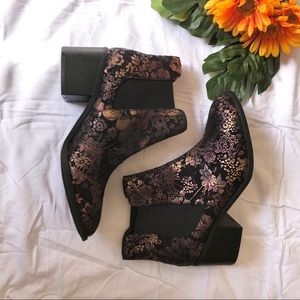 Size 10 Maurices Black Foiled Floral Print Boots
